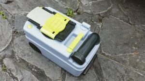 Toilettenkassette außerhalb des Fahrzeugs